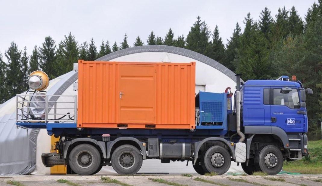 DA4 v provozním stavu na nákladním vozidle